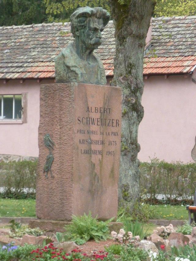 monument-albert-schweitzer.jpg